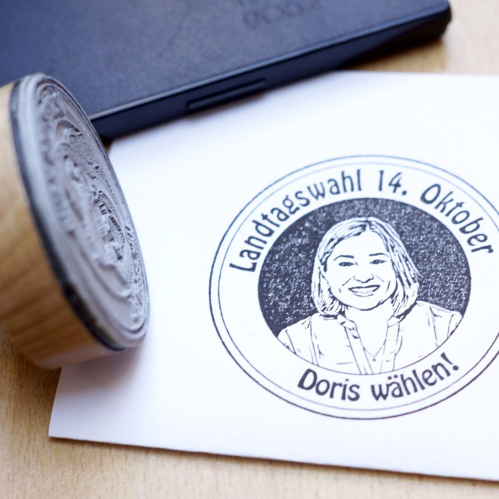 Fotostempel-Landtagswahl-Portrait-Stempel-Fotogruesse-Susie-Knoll
