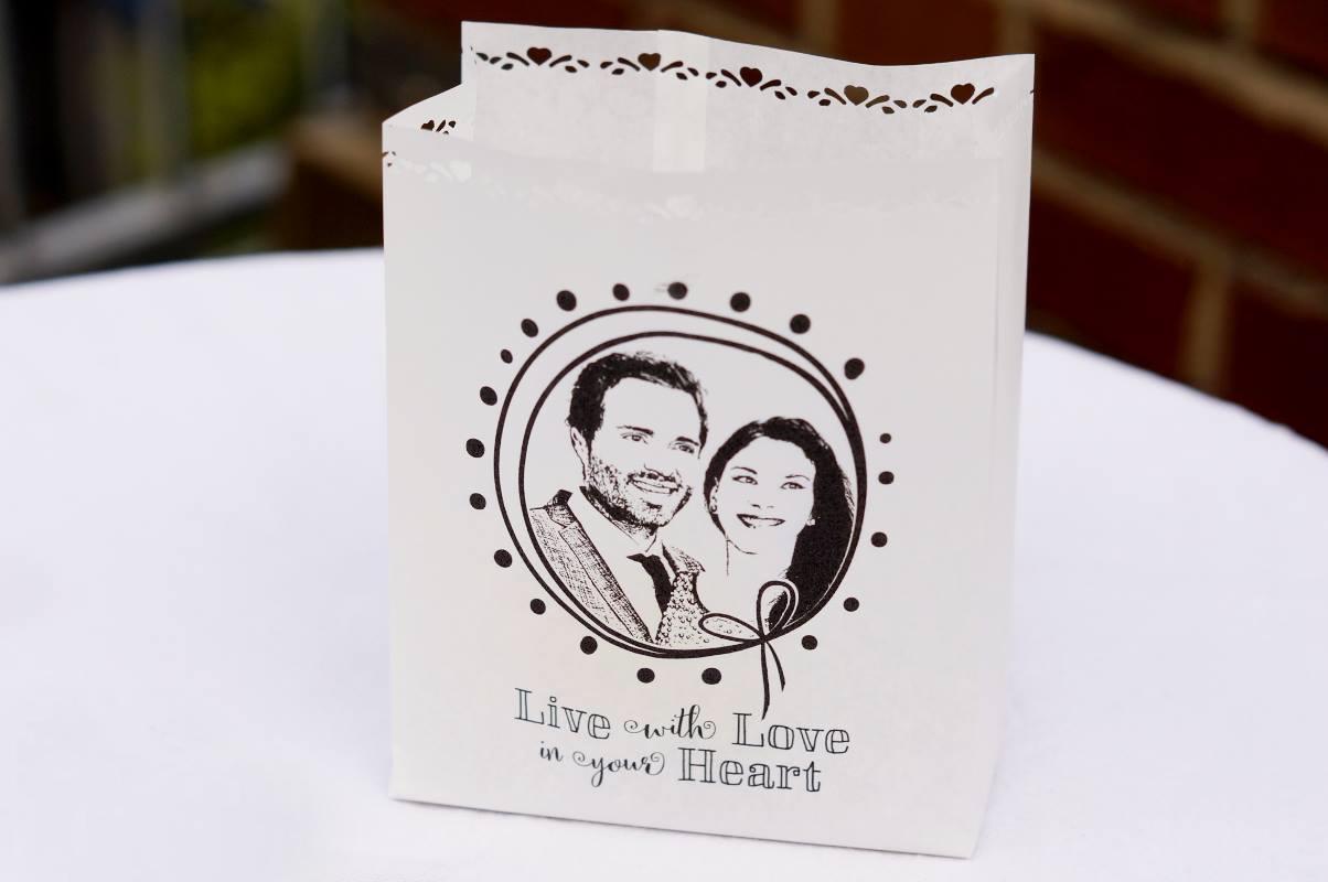 Fotowindlicht-Fotogruesse-Fotolichtt-te-Lichtt-te-Hochzeit-personalisiert