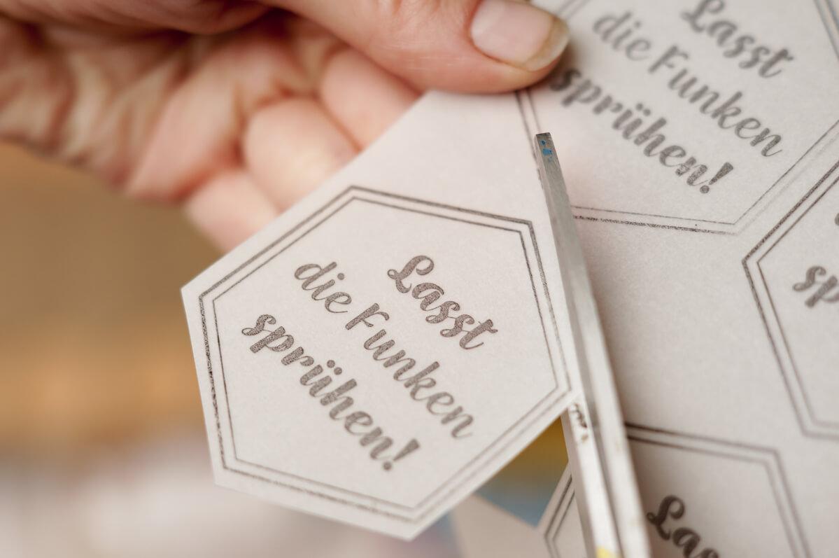 personalisierter-Stempel-Wunderkerzen-Hochzeit-selbermachen-DIY-4-von-19
