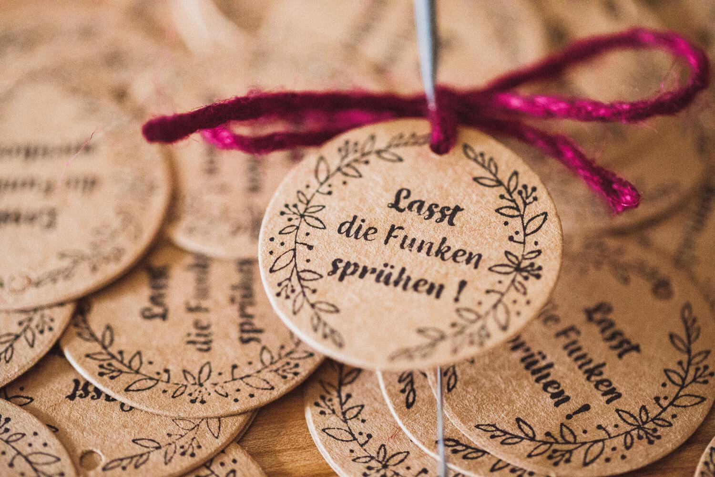 Wunderkerzen-Stempel-Hochzeit-Funken-spr-hen-hochzeitsfotografin_nuernberg-1675-2