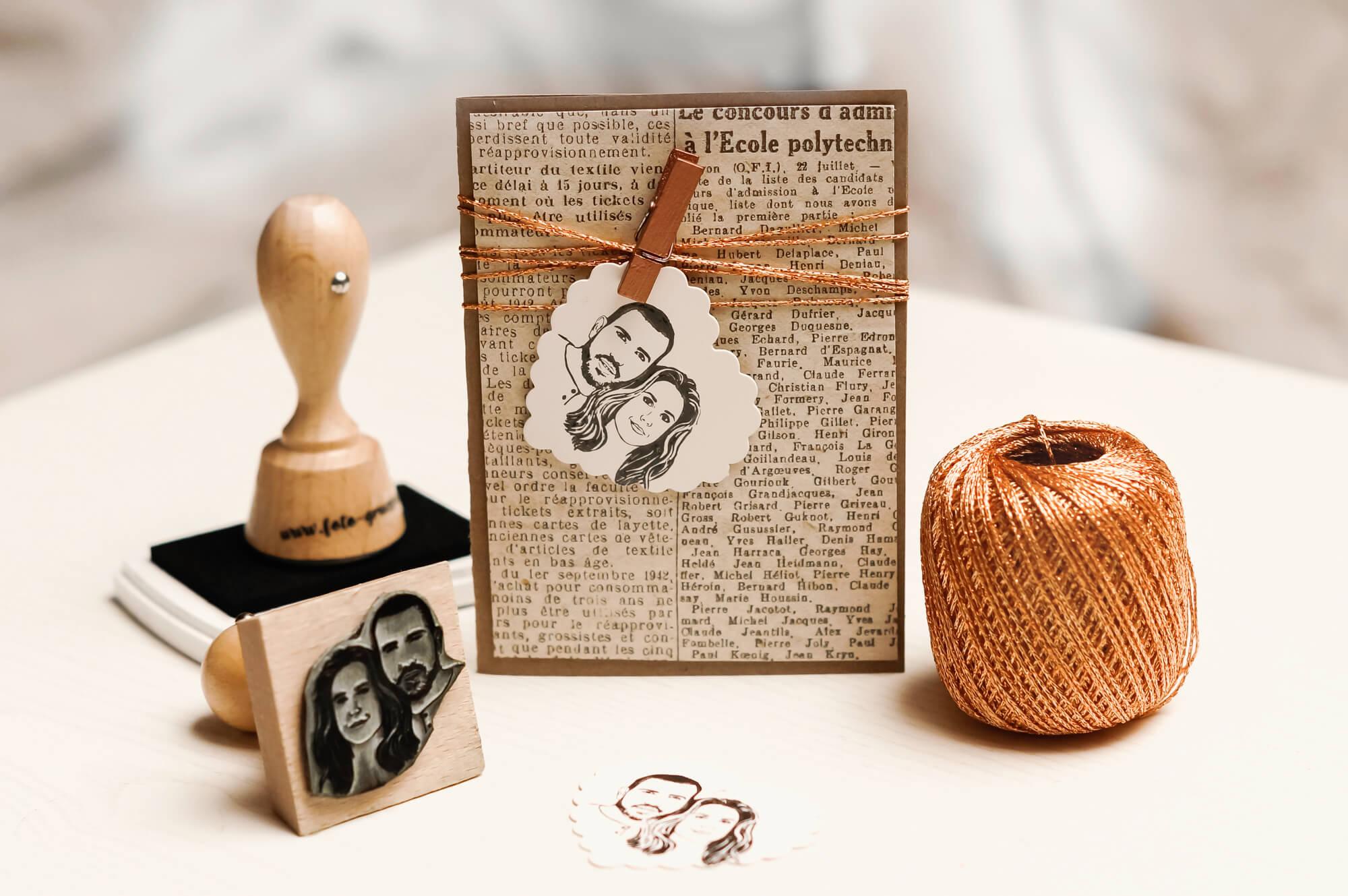 Geschenkidee-Valentinstag-Fotostempel-personalisierter-Stempel-mit-Gesichtern-1b-von-1